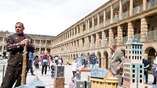 The Piece Hall Game Show: Who Designed The Piece Hall?