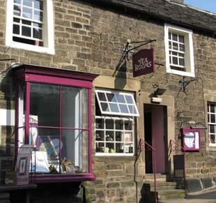 sweet heART Tea Rooms, Accommodation and Art Gallery