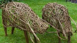 Willow Weaving Workshop: Willow Pig